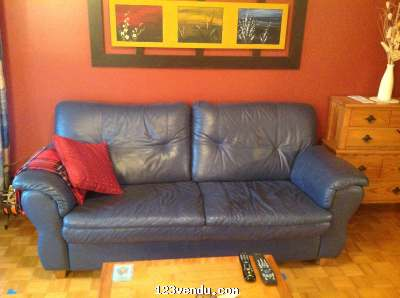 Sofa en cuir bleu marin vendre annonces class es for Meuble jaymar montreal