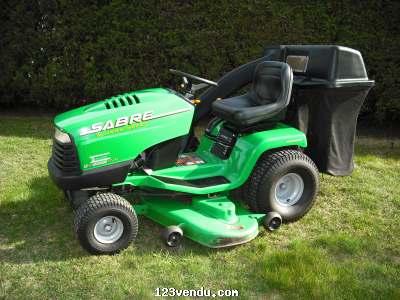 tracteur a pelouse john deer vendre annonces class es. Black Bedroom Furniture Sets. Home Design Ideas