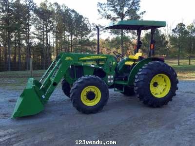 john deere 5205 4x4 tracteur en 522 chargeur vendre annonces class es. Black Bedroom Furniture Sets. Home Design Ideas